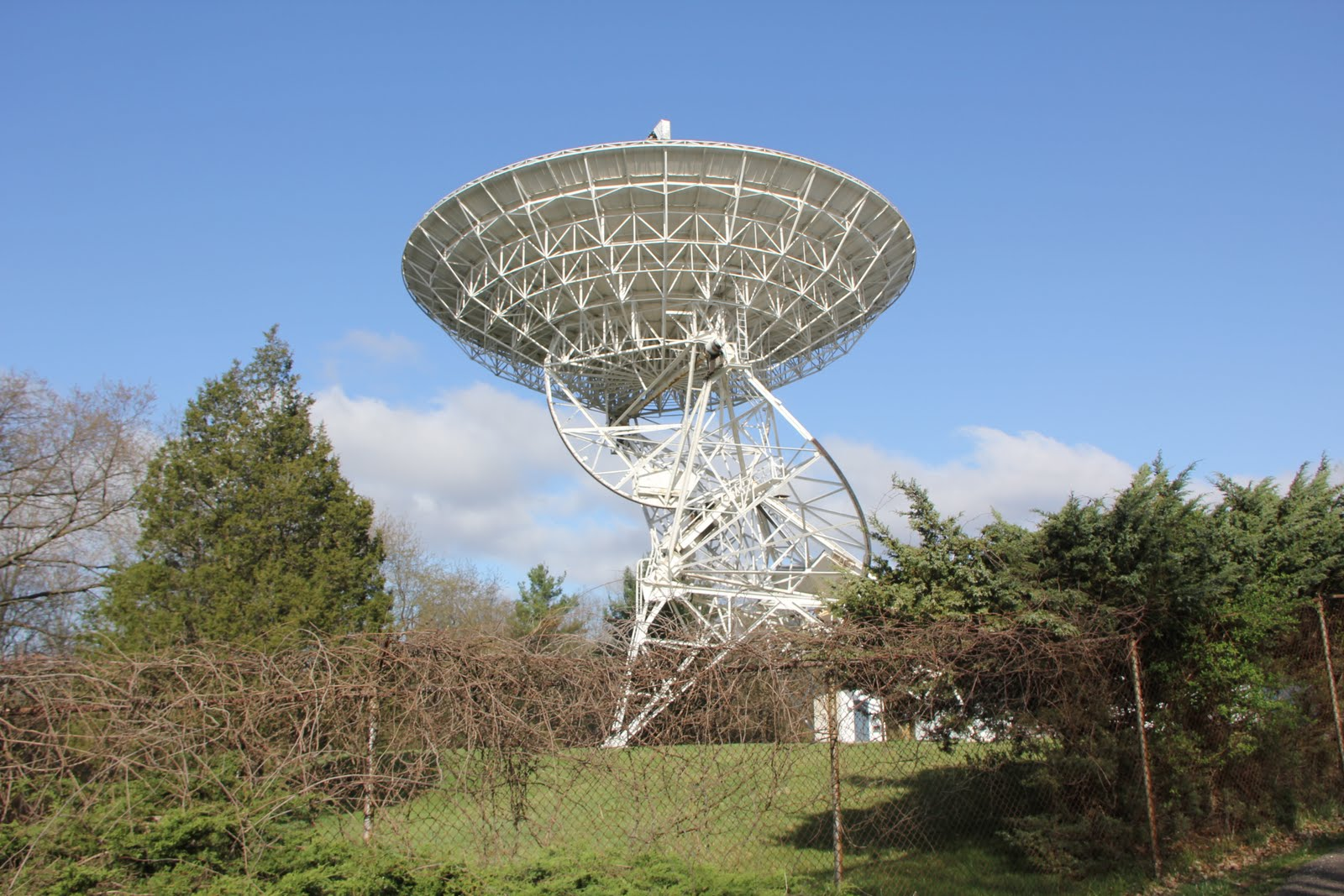 The Peach Mountain 26 m dish